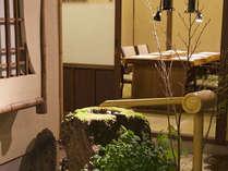 【鴨川たかし】4名様までご利用頂ける和室は落ち着いた空間です。