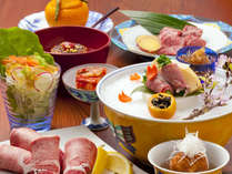 【鴨川たかし】新鮮できれいなサシの入った完熟近江牛と一つ一つ手作りの清水焼の器。