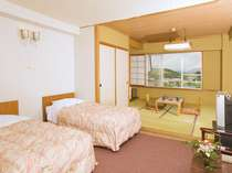 和洋室(ベッド2+和室8畳)バス・トイレ(洗浄付き暖房便座) 定員6名様まで