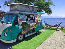 """■猪苗代湖■徒歩1分のビーチでは""""かわいい♪ワゴンカー""""がお出迎え!猪苗代を存分に楽しんじゃおう!"""