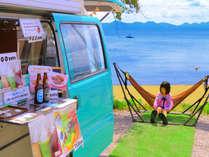 """■猪苗代湖■目の前のビーチにある""""COBITO CAFE""""では、かわいい♪ハンモックがお出迎え!"""
