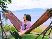 ■ハンモックでゆったり■湖を吹きわたる爽風に揺られて、家族水入らずの時間を過ごしてみては?