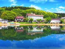 ■ホテル全景■当館は、猪苗代湖まですぐ!