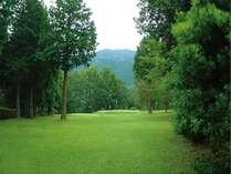 【荻ゴルフ×レイクサイドテラス】≪2食付≫ゴルフショートコース1日周り放題付★