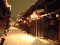 冬景色の古い町並み