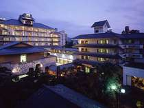 信州・上諏訪温泉 琥珀色の自家源泉を持つ宿【ホテル鷺乃湯】