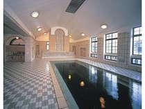 【当館より徒歩5分】重要文化財「片倉館」の千人風呂