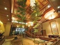 開放的な吹き抜け「竹林」