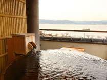 ■客室露天風呂■展望露天風呂付き客室からは、諏訪湖を一望。