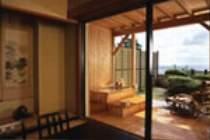 通常客室に露天風呂と庭が付いたお部屋。海側に面したロケーションで駿河湾を一望できます