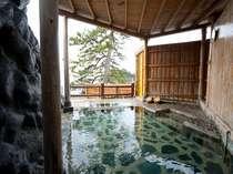 【貸切露天風呂】完全予約制の貸切露天風呂。1回45分間で¥3,240にてご利用頂けます