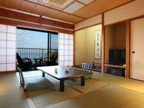 全室オーシャンビュー。和室10畳+広縁+バルコニー付きの標準客室