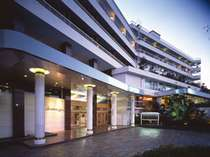 【外観】湯快リゾート最大規模の大型旅館!