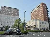草津駅西口のロータリーに面するホテル☆アクセス便利で契約駐車場も1泊500円。