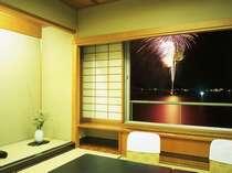 【ゆらら館和室】8/1~8/31はお部屋から柴山潟よりの花火がご覧頂けます。