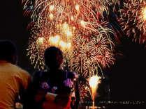 片山津温泉夏の一押し【納涼花火まつり】8/1~8/31毎夜。お部屋からご覧いただけます。
