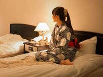 【きらら館DX和洋室】人気のベットルーム付客室です。広々とした客室で贅沢なお時間を・・・