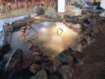 17:流れる寝湯◆【夢湯パーク】岩から流れる気持ち良い流れを寝そべって感じて下さい。