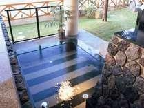 16:灯台風呂◆【夢湯パーク】小さな灯台の光に照らされて幻想的な空間です。