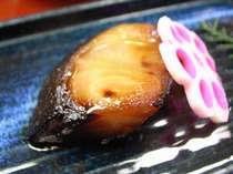 お夕食の一品。焼魚(ブリ)