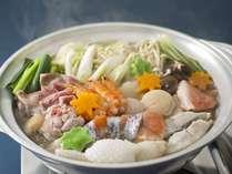 たっぷりの魚介類を自慢のお出汁で。満腹の「こうろ鍋」プラン