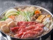 【おすすめ】長野産ブランド「村沢牛」の最高ランクA5のお肉をすきやきで!定番ながら人気のお鍋料理です。