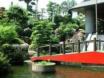 四季折々の草花が癒してくれます。庭園・池