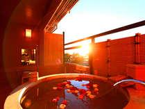 【露天付客室】2015年6月完成 ギネス認定の花時計や駿河湾など6階からの眺望を楽しめる露天風呂付