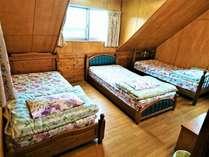 トリプルルーム202号室
