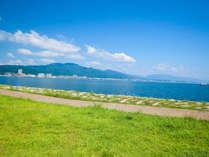 早起きして琵琶湖畔をぶらり散歩やジョギングが気持ちいい。。