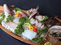 伊勢海老、アワビ、鯛の船盛り