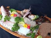 伊勢海老、鯛の船盛り