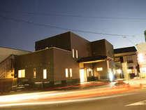 外観(夜景)国分駅(霧島市)前、霧島市市役所より3分 バス停まで1分 好立地