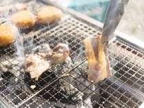 *[ご夕食一例]バーベキューをご用意。炭火焼コンロでお楽しみください。