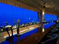 Bar「アストラル」 サハリンの島影を一望するトップフロア12階