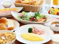 朝食は「北の彩り朝食ブッフェ」と「なだ万雅殿和定食」よりお好みでお選びいただけます!