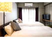 【高層階】お洒落なインテリアがお部屋の雰囲気を演出。もちろんWi-Fiも全室無料です。