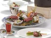 【和風ダイニング「出雲」】前菜からデザートまで、調理長が厳選した素材を使ったコース料理。