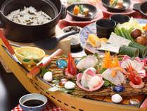 御造里やお囲み、土釜のご飯を取り分けて食べる大皿料理です。 【和風コース料理(イメージ)】