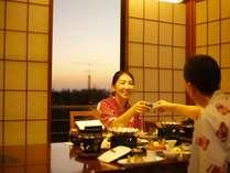 料亭個室での夕食(イステーブル席の一例)