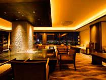 開花亭・清月亭ご利用のお客様限定の専用ラウンジが完成。 最上階からの夜景もお楽しみください。