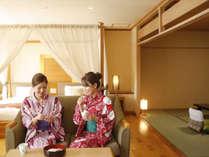 旅の思い出、お喋りもはずむ♪お部屋には松山銘菓をご用意。