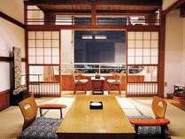 【客室一例】三河湾を一望できる純和室です。館内は季節の草花で彩っております。