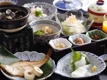 朝採れ野菜を使用した和朝食。新鮮な食材が朝の元気を与えます。