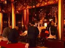*位牌堂(勤行)/本尊は阿弥陀如来。「南無阿弥陀仏」と念じることによって極楽浄土に導く仏様です。