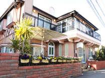 江ノ電和田塚駅から2分!閑静な住宅街にある、由比ガ浜のペンションです。