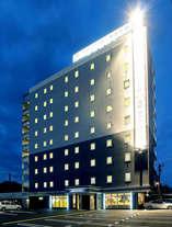 ホテル外観 夜1