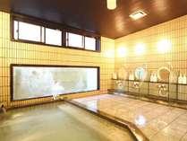 お風呂は光明石を利用した人工温泉です。