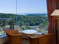 上層階にあるレギュラーツインからの眺めは壮大です。