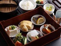 季節の旬の食材を使った朝食です。